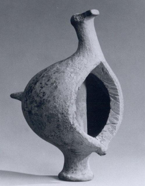 Bird-shaped vessel
