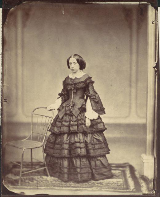 Frau Hofrat Josefine Raymond