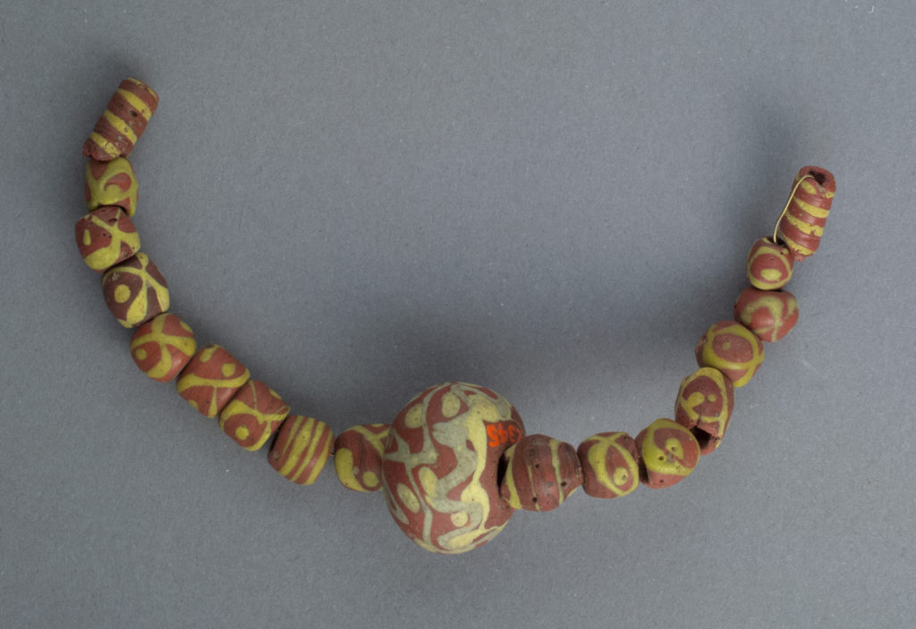 Beads, 18