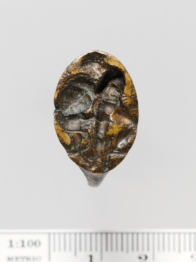 Gilt bronze ring