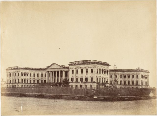 [Grand Entrance to the Government House, Calcutta]