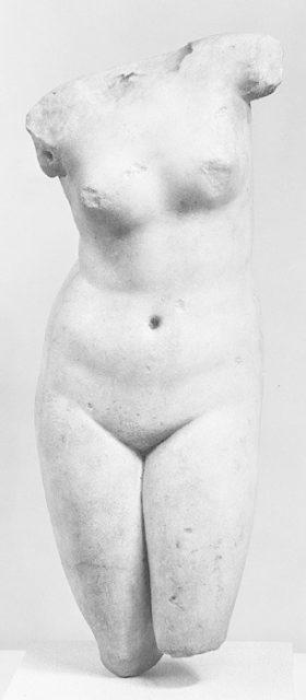 Marble statuette of Aphrodite Anadyomene (rising)