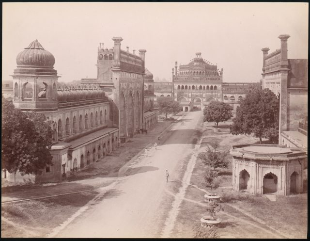 [Rumi Darwaza and gateway of the Bara Imambara (left) with 'jawab' (Facsimilie Gateway) opposite,]
