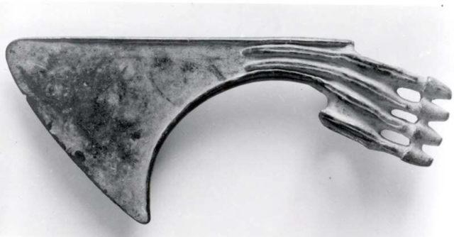 Spiked axe head