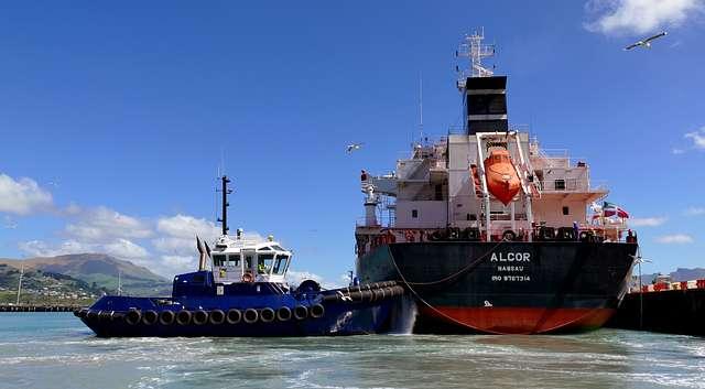 Tug Blackadder. Alcor Bulk carrier.