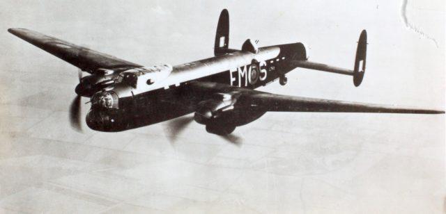 15_002523 Avro Manchester, 2RR Vulture