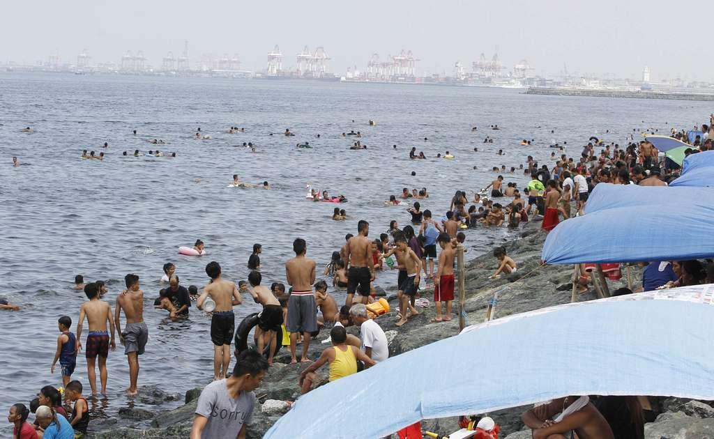 Easter Sunday Manila Bay swimming