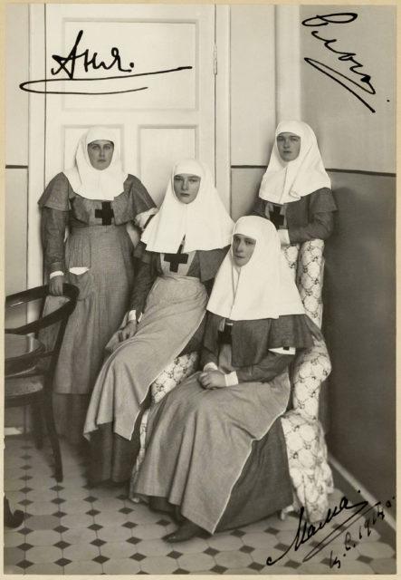 Empress Alexandra Feodorovna ,Grand Duchesses Olga and Tatiana with Anna Alexandrovna Vyrubova.1914.