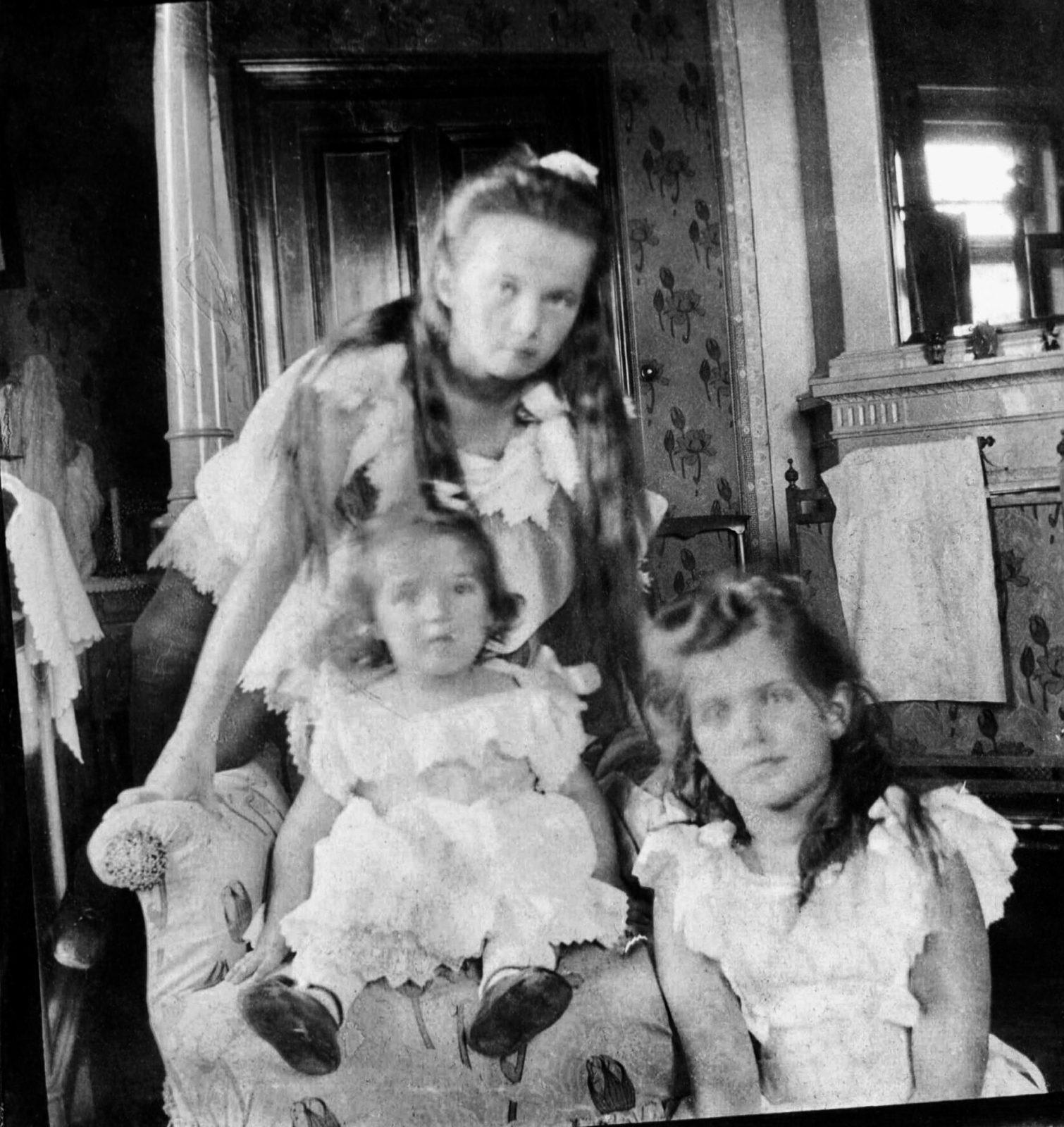 Grand duchesses Olga, Maria & Anastasia