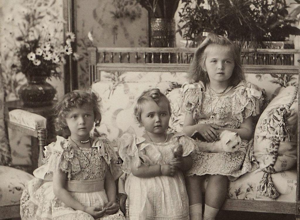Grand Duchesses Tatiana, Maria  and Olga. 1900.