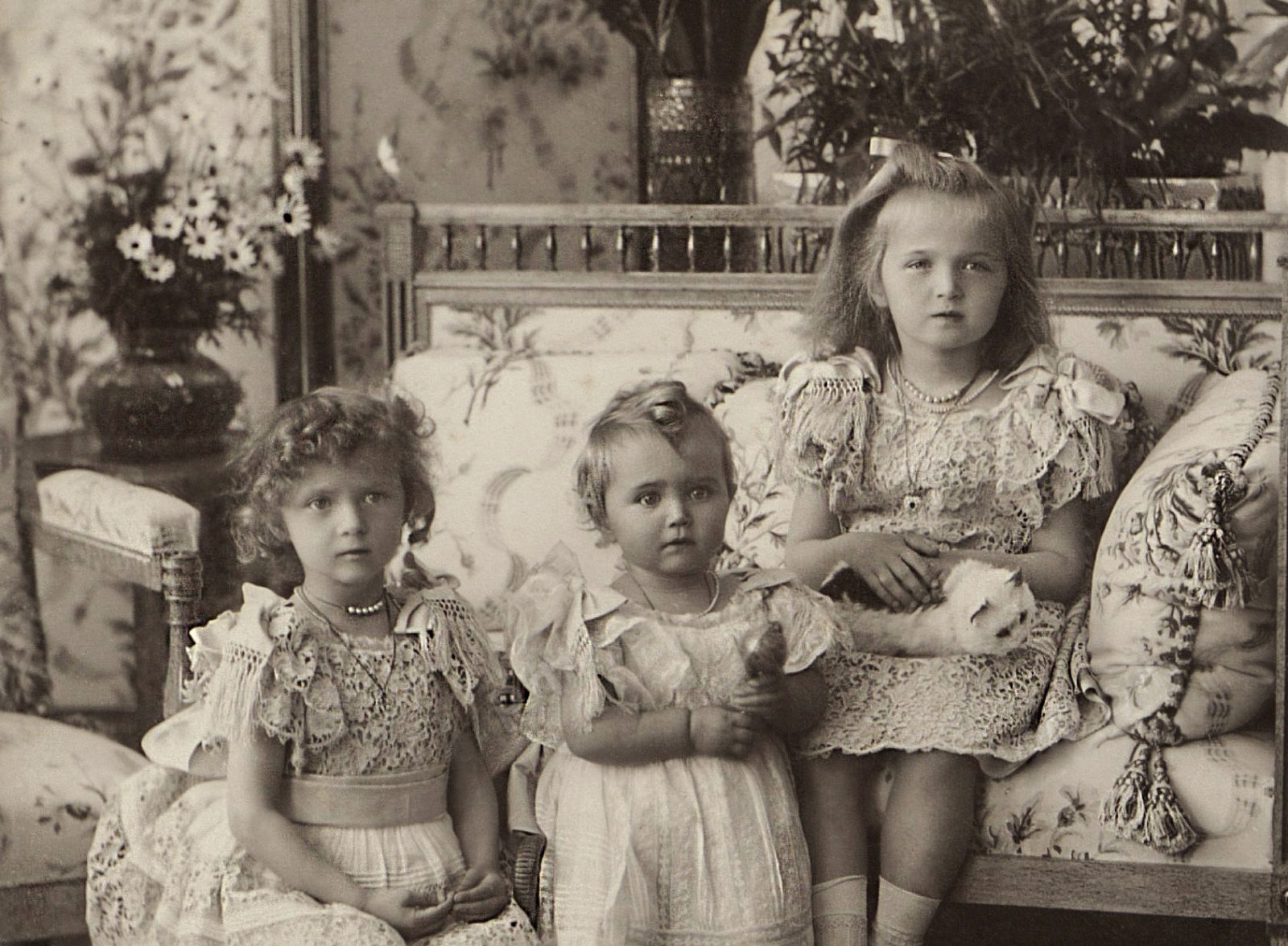 Grand Duchesses Tatiana, Maria  and Olga. 1900.