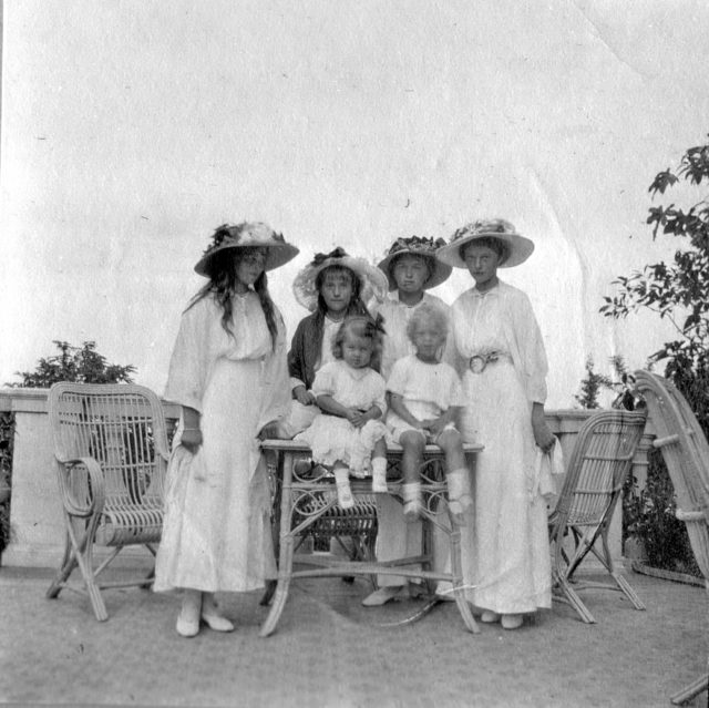 Daughters of Emperor Nicholas II Grand Princess Mary, Anastasia, Olga, Tatiana.