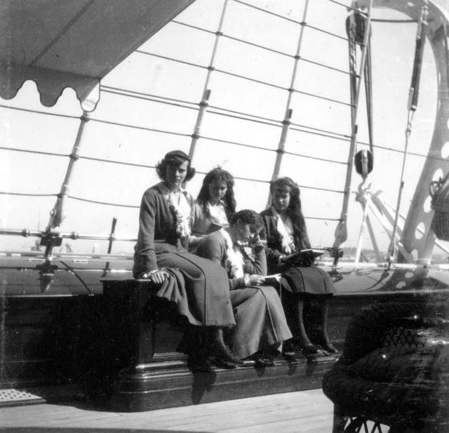 Daughters of Emperor Nicholas II Grand Princess Tatiana, Maria, Anastasia and Olga.