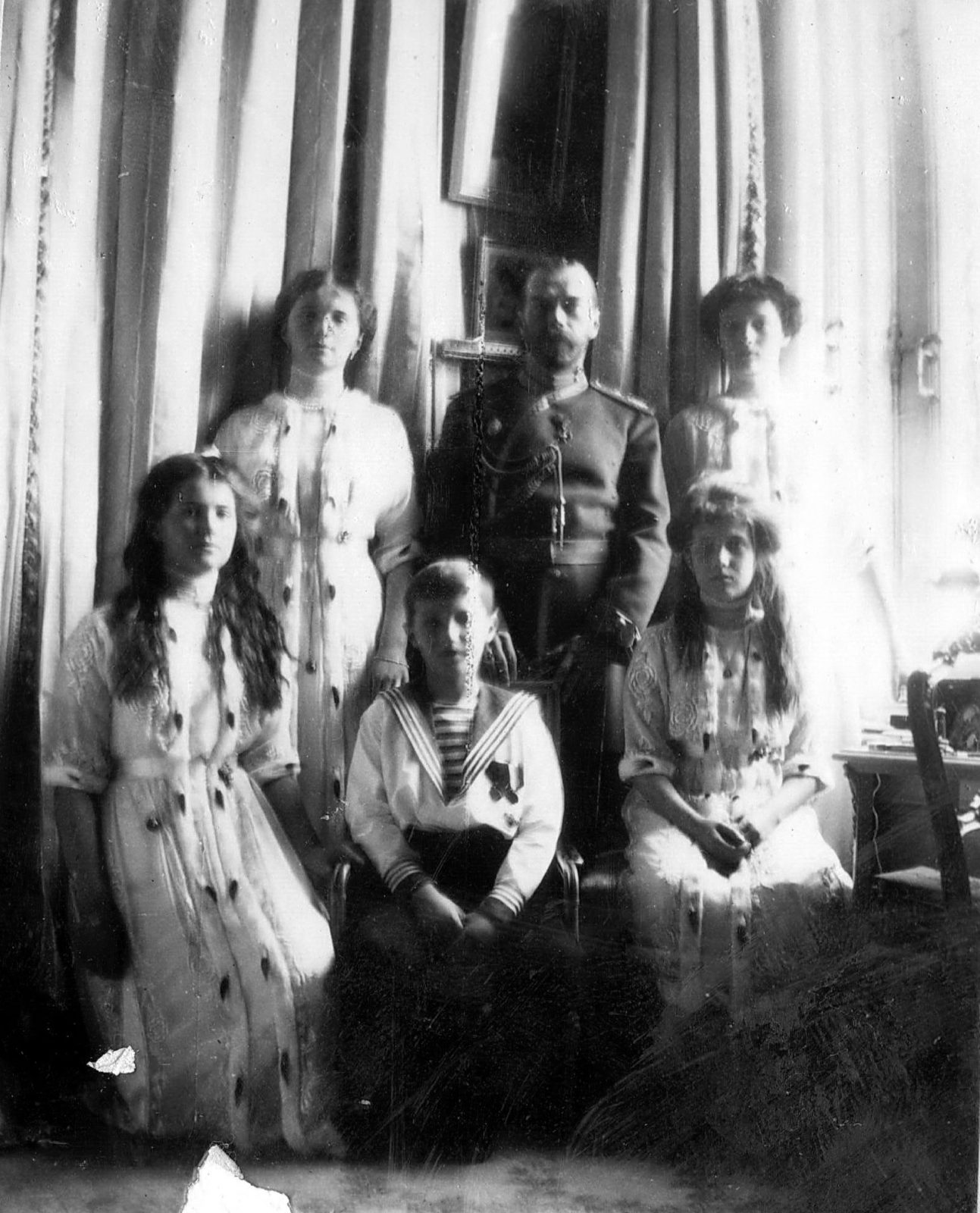 Emperor Nicholas II with his children. Tsarskoe Selo.
