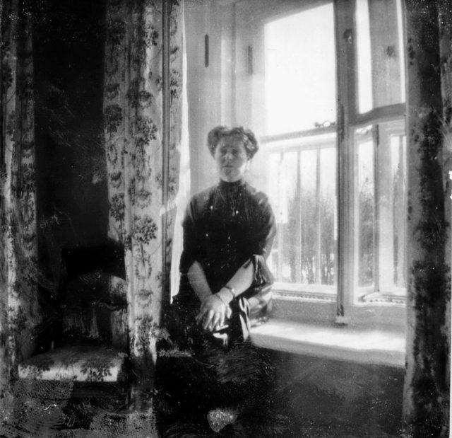 Empress Alexandra Feodorovna. Alexander Palace.1913