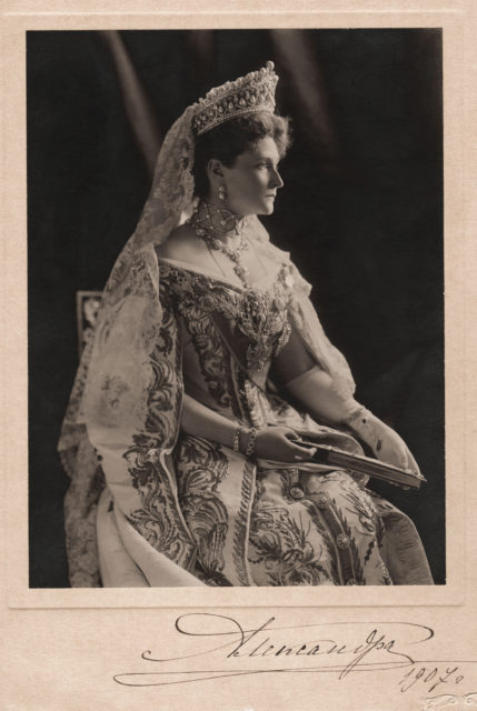 Empress Alexandra Feodorovna is the wife of Emperor Nicholas II. 1907 year