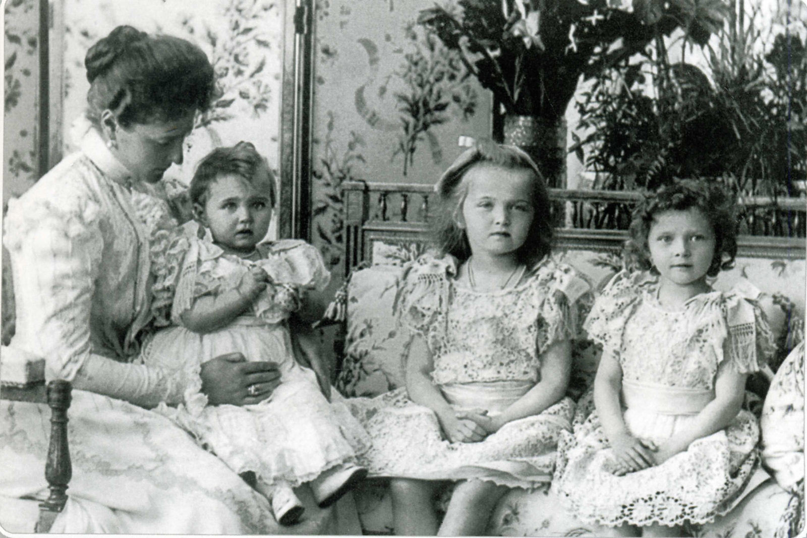 Empress Alexandra Feodorovna with her daughters Grand Duchess Maria, Olga and Tatyana.