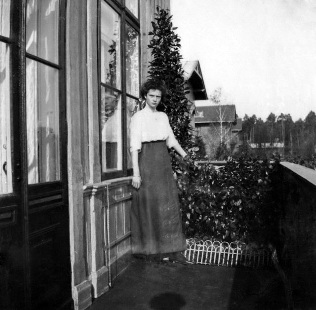 Grand Duchess Tatyana Nikolayevna on the balcony. Spala. 1912.