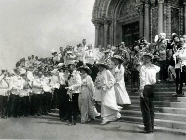 The royal family at the consecration of the Naval Cathedral in Kronstadt on June 10, 1913.