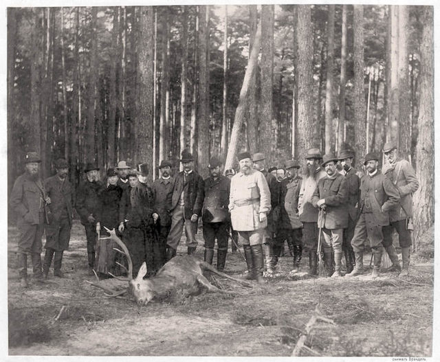 Alexander III on the group portrait on a hunt in Bialowieza