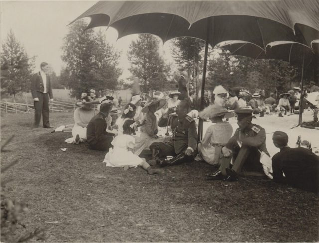 Princess Olga Orlova. Romanovs at a picnic. Summer of 1913.
