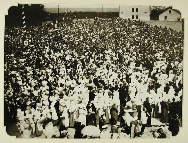 Crowds awaiting for Nicholas II arrival to Odessa, 1914-1915