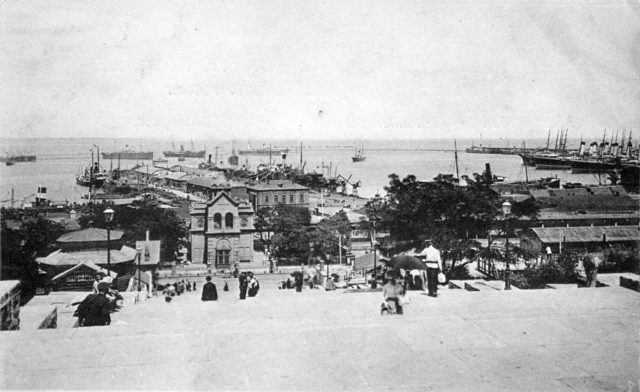 View of the port from the monument of Richelieu. Odessa Port, 1900-1914