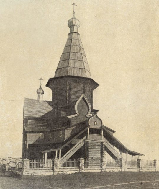 Shenkursk wooden church facade