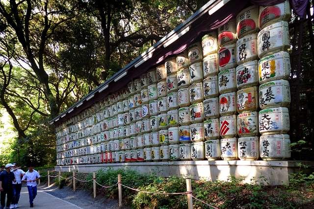 Meiji Jingu Shrine. Saki Barrels.