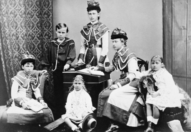 Children of the Grand Duke of Hesse-Darmstadt Ludwig IV and the Grand Duchess of Alice.