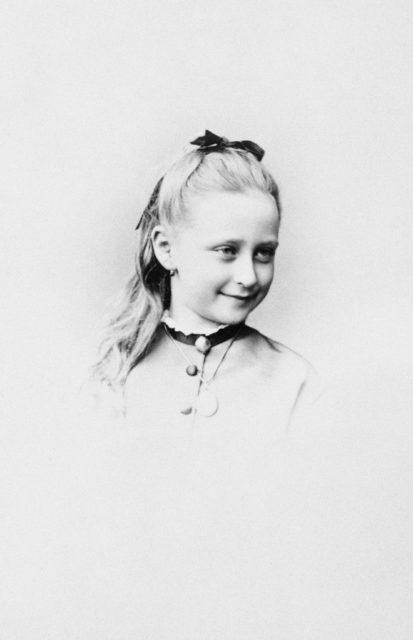 Elizabeth Alexandra Louise Alice (Ella) 1871