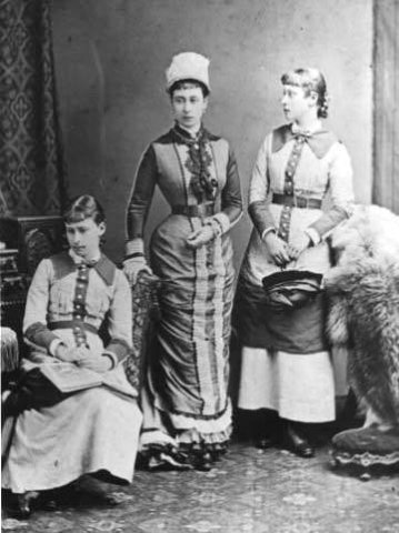 Elizabeth Alexandra Louise Alice (Ella) - Children of the Grand Duke of Hesse Ludwig IV and the Grand Duchess of Alice