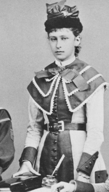 The second daughter of the Grand Duke of Hesse-Darmstadt Ludwig IV and Princess Alice, granddaughter of the British Queen Victoria.
