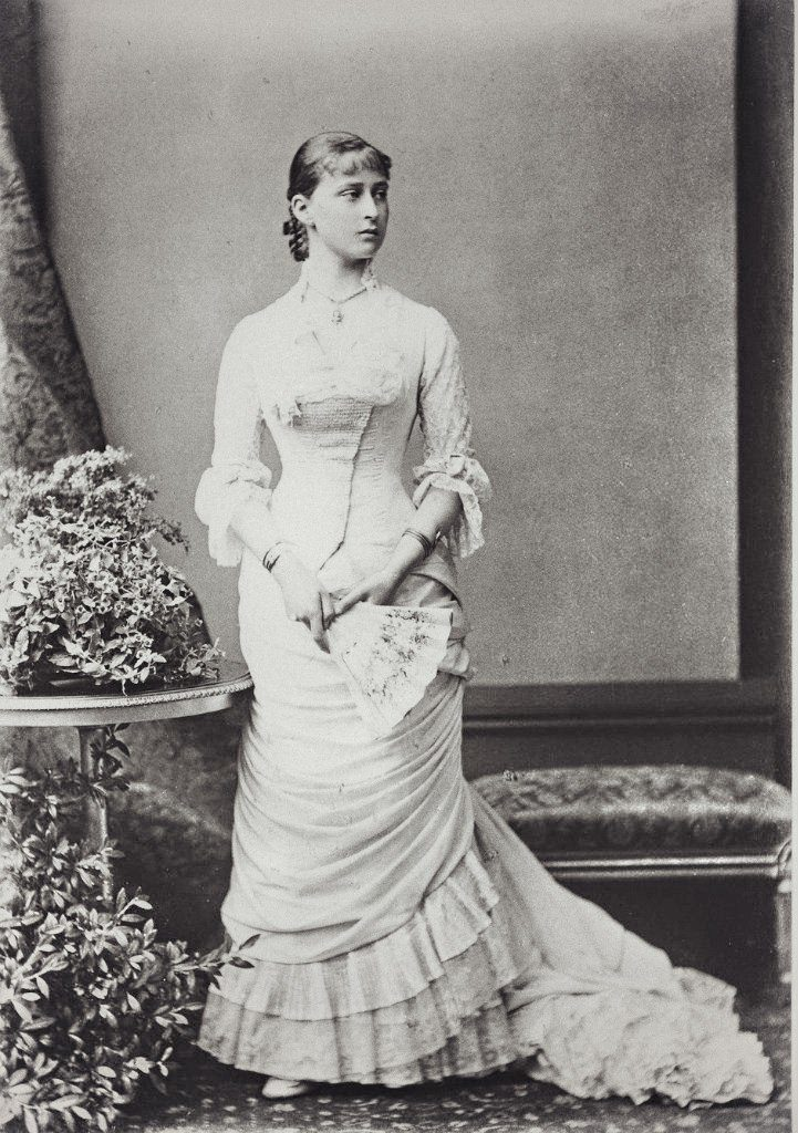 Elizabeth Alexandra Louise Alice - The second daughter of the Grand Duke of Hesse-Darmstadt Ludwig IV and Princess Alice