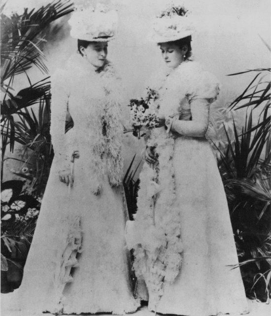 Empress Alexandra Feodorovna and Grand Duchess Elizabeth Feodorovna.
