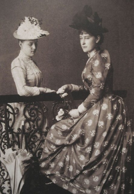 Grand Duchess Elisaveta Feodorovna and Grand Duchess Alexandra Georgievna, the first wife of Grand Duke Paul Alexandrovich.