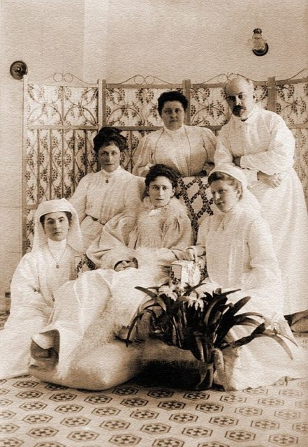 Grand Duchess Elisaveta Feodorovna with the doctor and medical staff of the Martha and Mary Convent of Mercy.
