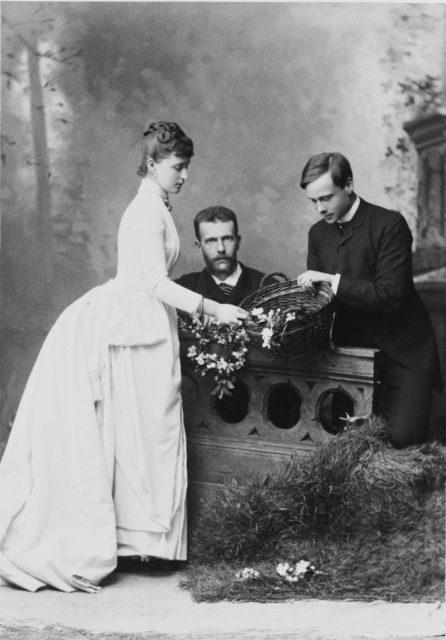 Grand Duke Sergei Alexandrovich and Grand Duchess Elizabeth Feodorovna with Ernst Ludwig of Hesse - brother of Elizabeth Feodorovna.