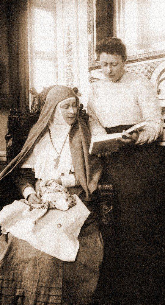 """Great Mother"" - Grand Duchess Elisaveta Feodorovna with her sister Princess Hesse-Darmstadt Victoria."