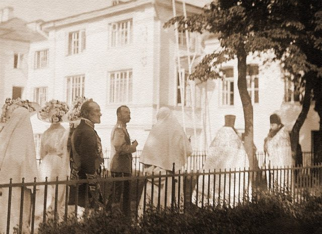 """Great Mother"" - Grand The royal family visits the Marfo-Mariinsky monastery.Duchess Elisaveta Feodorovna."