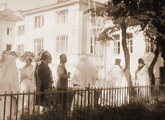 """Great Mother"" - Grand The royal family visits the Marfo-Mariinsky monastery.Duchess Elisaveta Feodorovna."