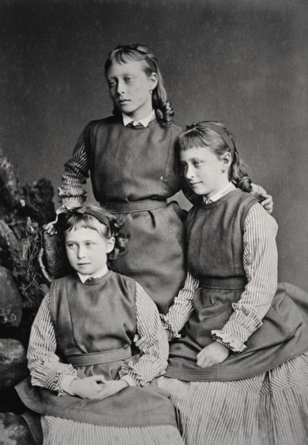 Sisters of Hessian princess Irena, Victoria and Elizabeth.