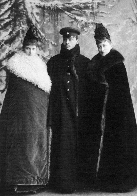 The Grand Duchess Elisaveta Feodorovna is visiting her relatives in Darmstadt.