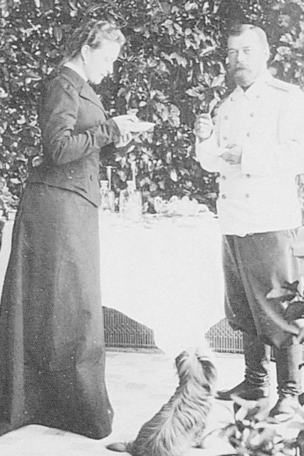 The Russian Emperor Nikolai Alexandrovich (Nicholas II) and the Grand Duchess Elisaveta Feodorovna.