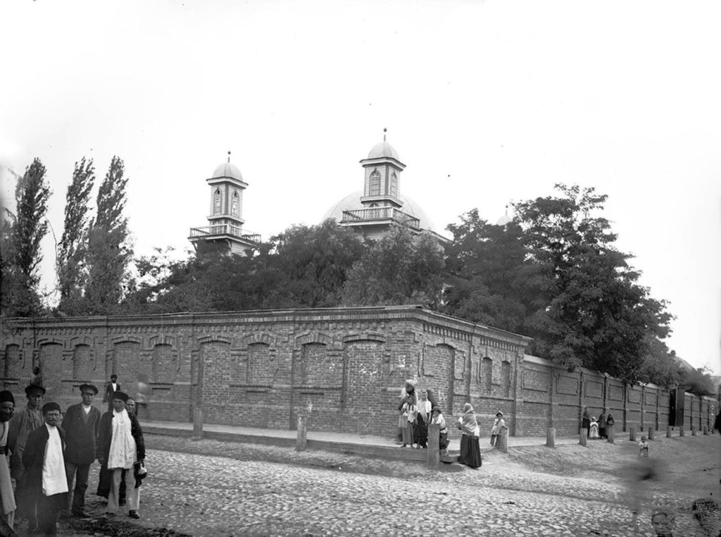 Persian mosque in Astrakhan. 1894.
