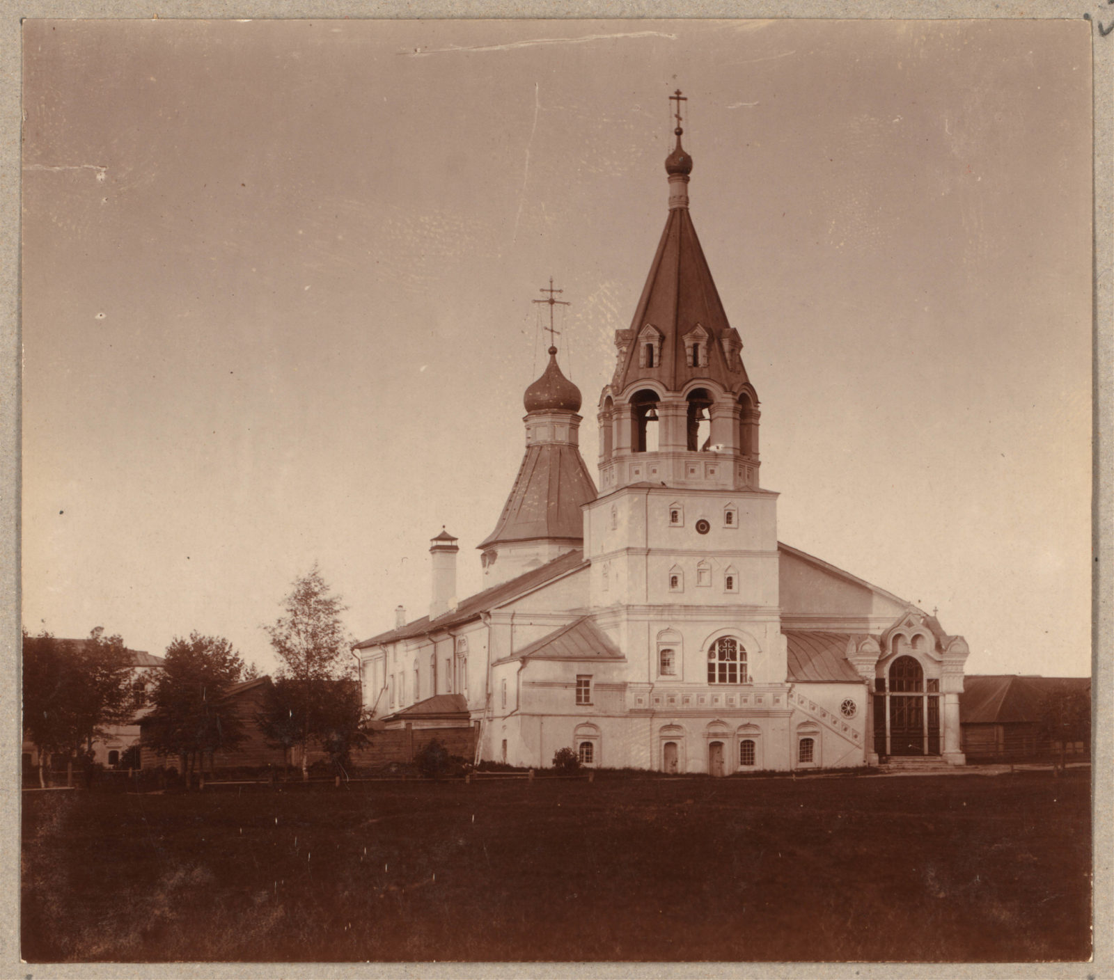 Alexandrov - Pokrovsky Cathedral in the Assumption Monastery.