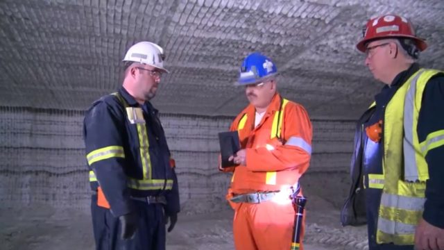 Inspection of an Ontario Salt Mine | Inspection d'une mine de sel en Ontario