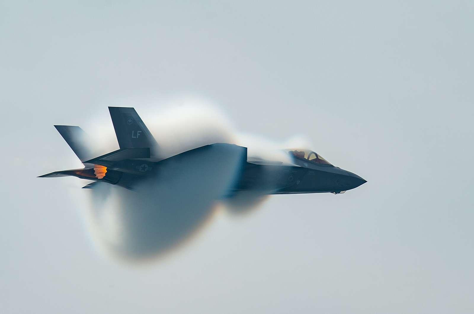 "Lockheed Martin  F-35 ""Lightning II"""