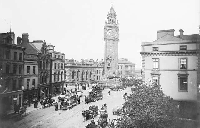 Albert Memorial in Belfast at 14:25 - Now you see the horse-drawn trams!