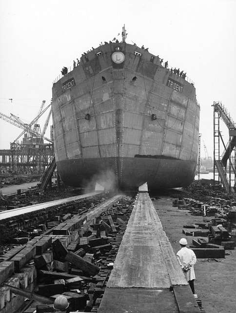 Launch of the tanker 'Trident'